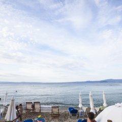 Отель Xenios Hotel Греция, Пефкохори - отзывы, цены и фото номеров - забронировать отель Xenios Hotel онлайн пляж фото 2