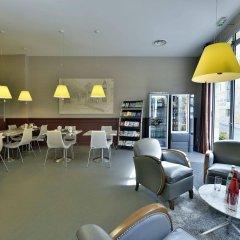 Отель Auberge de la Commanderie Франция, Сент-Эмильон - отзывы, цены и фото номеров - забронировать отель Auberge de la Commanderie онлайн гостиничный бар