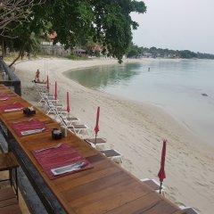 Отель Bhundhari Chaweng Beach Resort Koh Samui Таиланд, Самуи - 3 отзыва об отеле, цены и фото номеров - забронировать отель Bhundhari Chaweng Beach Resort Koh Samui онлайн пляж фото 2