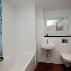 Отель The Spires Glasgow Великобритания, Глазго - отзывы, цены и фото номеров - забронировать отель The Spires Glasgow онлайн ванная фото 2