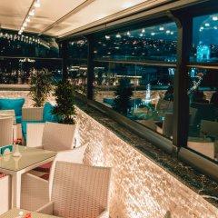 Отель River Side бассейн