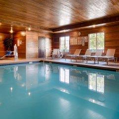 Отель Best Western Plus Rama Inn & Suites бассейн