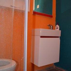 Хостел Shantihome Турция, Измир - отзывы, цены и фото номеров - забронировать отель Хостел Shantihome онлайн ванная фото 2