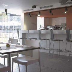 Отель Hesperia Fira Suites гостиничный бар