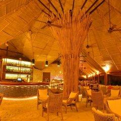 Отель Makunudu Island Мальдивы, Боду-Хитхи - отзывы, цены и фото номеров - забронировать отель Makunudu Island онлайн бассейн фото 2