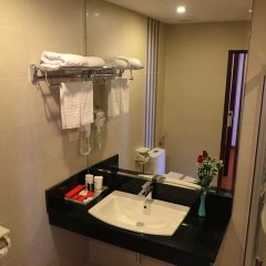 Отель Golden Halong Hotel Вьетнам, Халонг - отзывы, цены и фото номеров - забронировать отель Golden Halong Hotel онлайн ванная фото 2