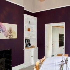 Отель Central 2 Bedroom Home in Edinburgh Эдинбург в номере