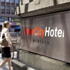 Отель Intercityhotel Munchen Мюнхен городской автобус