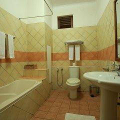 Отель Royal Beach Resort Шри-Ланка, Индурува - отзывы, цены и фото номеров - забронировать отель Royal Beach Resort онлайн ванная фото 2