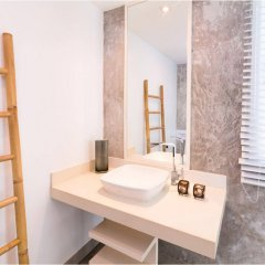 Отель Baan Saint Tropez Villas Kata Beach ванная фото 2