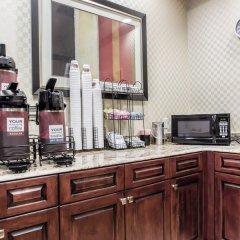 Отель Comfort Inn & Suites Maingate South в номере фото 2