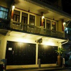 Отель The Royal ThaTien Village фото 10
