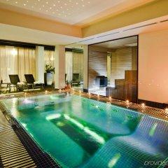 Отель Platinum Palace бассейн