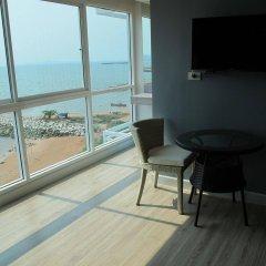 Отель Nantra Pattaya Baan Ampoe Beach балкон