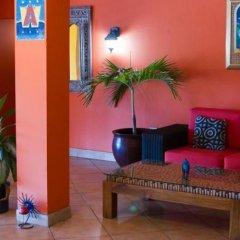Отель Altamont West Hotel Ямайка, Монтего-Бей - отзывы, цены и фото номеров - забронировать отель Altamont West Hotel онлайн интерьер отеля фото 3