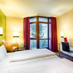 Leonardo Hotel & Residenz München сейф в номере