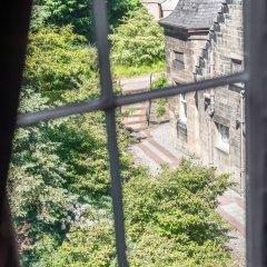 Отель Salisbury Green Hotel & Bistro Великобритания, Эдинбург - отзывы, цены и фото номеров - забронировать отель Salisbury Green Hotel & Bistro онлайн балкон