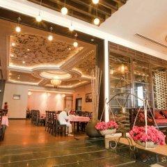 Den Long Do Hotel & Restaurant интерьер отеля