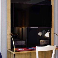 Отель L'Echiquier Opéra Paris MGallery by Sofitel Франция, Париж - 8 отзывов об отеле, цены и фото номеров - забронировать отель L'Echiquier Opéra Paris MGallery by Sofitel онлайн сейф в номере