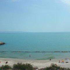 Отель Cherno More 2 Болгария, Поморие - отзывы, цены и фото номеров - забронировать отель Cherno More 2 онлайн пляж фото 2
