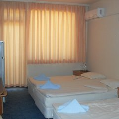 Отель Amigos - Full Board Болгария, Аврен - отзывы, цены и фото номеров - забронировать отель Amigos - Full Board онлайн комната для гостей фото 3