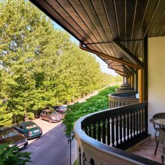 Отель Sport Complex Trakiets Болгария, Соколица - отзывы, цены и фото номеров - забронировать отель Sport Complex Trakiets онлайн балкон