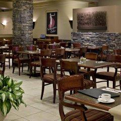 Отель Carriage House Inn Канада, Калгари - отзывы, цены и фото номеров - забронировать отель Carriage House Inn онлайн питание фото 2