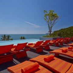 Отель Bandara Phuket Beach Resort бассейн фото 4