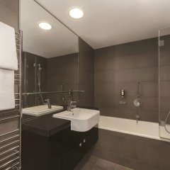 Adina Apartment Hotel Berlin Hackescher Markt ванная