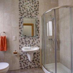 Отель Dolphin Court ванная