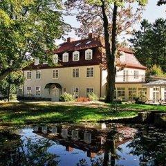 Отель Dwór Oliwski City Hotel & SPA Польша, Гданьск - 2 отзыва об отеле, цены и фото номеров - забронировать отель Dwór Oliwski City Hotel & SPA онлайн приотельная территория фото 2