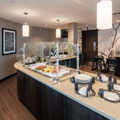 Отель Staybridge Suites Saskatoon - University питание