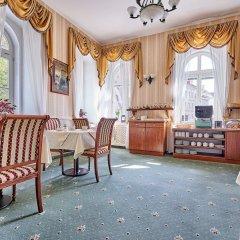 Отель Ontario Чехия, Карловы Вары - отзывы, цены и фото номеров - забронировать отель Ontario онлайн комната для гостей фото 6