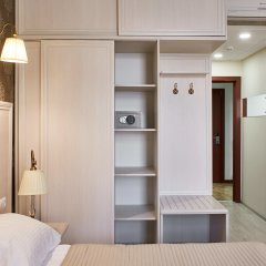 Hotel Lampa сейф в номере