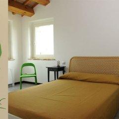 Отель Casale Papa Лорето комната для гостей