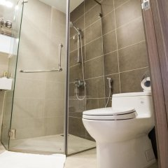 Отель Steve's APT at ICON56 Вьетнам, Хошимин - отзывы, цены и фото номеров - забронировать отель Steve's APT at ICON56 онлайн ванная