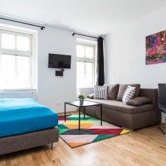 Отель CheckVienna - Apartment Familienplatz Австрия, Вена - отзывы, цены и фото номеров - забронировать отель CheckVienna - Apartment Familienplatz онлайн комната для гостей фото 4