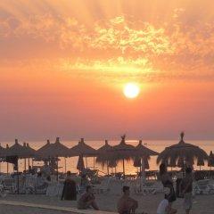 Отель Sandy Beach Resort Албания, Голем - отзывы, цены и фото номеров - забронировать отель Sandy Beach Resort онлайн пляж фото 2