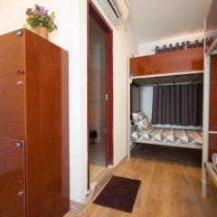 Отель The Prince of Whales Hostel & Bar Вьетнам, Хошимин - отзывы, цены и фото номеров - забронировать отель The Prince of Whales Hostel & Bar онлайн комната для гостей фото 5