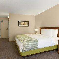 Отель Colonial Square Inn & Suites удобства в номере
