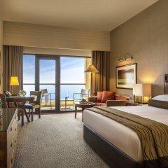Отель Amwaj Rotana, Jumeirah Beach - Dubai комната для гостей фото 5