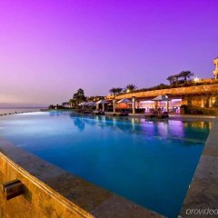 Отель Kempinski Hotel Ishtar Dead Sea Иордания, Сваймех - 2 отзыва об отеле, цены и фото номеров - забронировать отель Kempinski Hotel Ishtar Dead Sea онлайн бассейн фото 2