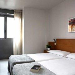 Отель Hostal Lami Испания, Эсплугес-де-Льобрегат - 5 отзывов об отеле, цены и фото номеров - забронировать отель Hostal Lami онлайн комната для гостей фото 2