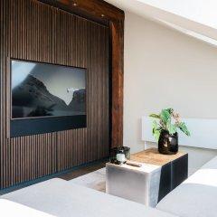 Апартаменты Airhome Limmatquai River View Apartment Цюрих комната для гостей фото 3