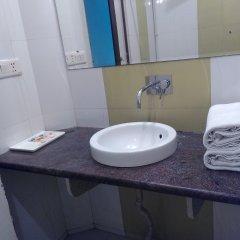 Отель Airport Hotel Venus Индия, Нью-Дели - отзывы, цены и фото номеров - забронировать отель Airport Hotel Venus онлайн ванная