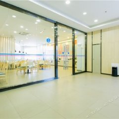 Отель Hanting Hotel (Xi'an Aerospace City Metro Station) Китай, Сиань - отзывы, цены и фото номеров - забронировать отель Hanting Hotel (Xi'an Aerospace City Metro Station) онлайн фитнесс-зал
