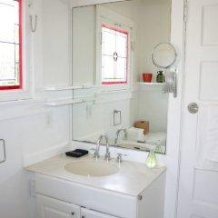 Отель Amoroso Retreat - 947 - 1 Br Home США, Лос-Анджелес - отзывы, цены и фото номеров - забронировать отель Amoroso Retreat - 947 - 1 Br Home онлайн ванная