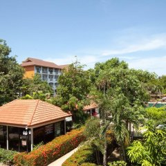 Отель Pinnacle Grand Jomtien Resort & Spa На Чом Тхиан балкон
