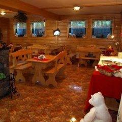 Отель Willa Zakowilla Закопане гостиничный бар