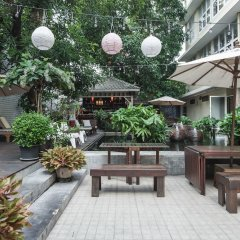 Отель Feung Nakorn Balcony Rooms and Cafe Бангкок фото 15